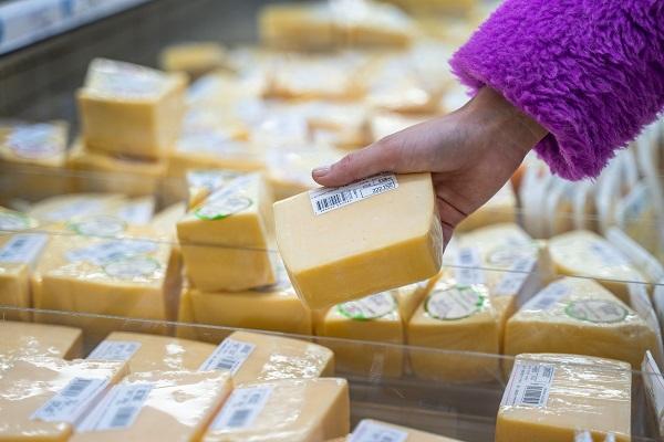 Производство фальсифицированных сыров приостановили с помощью системы «Меркурий»