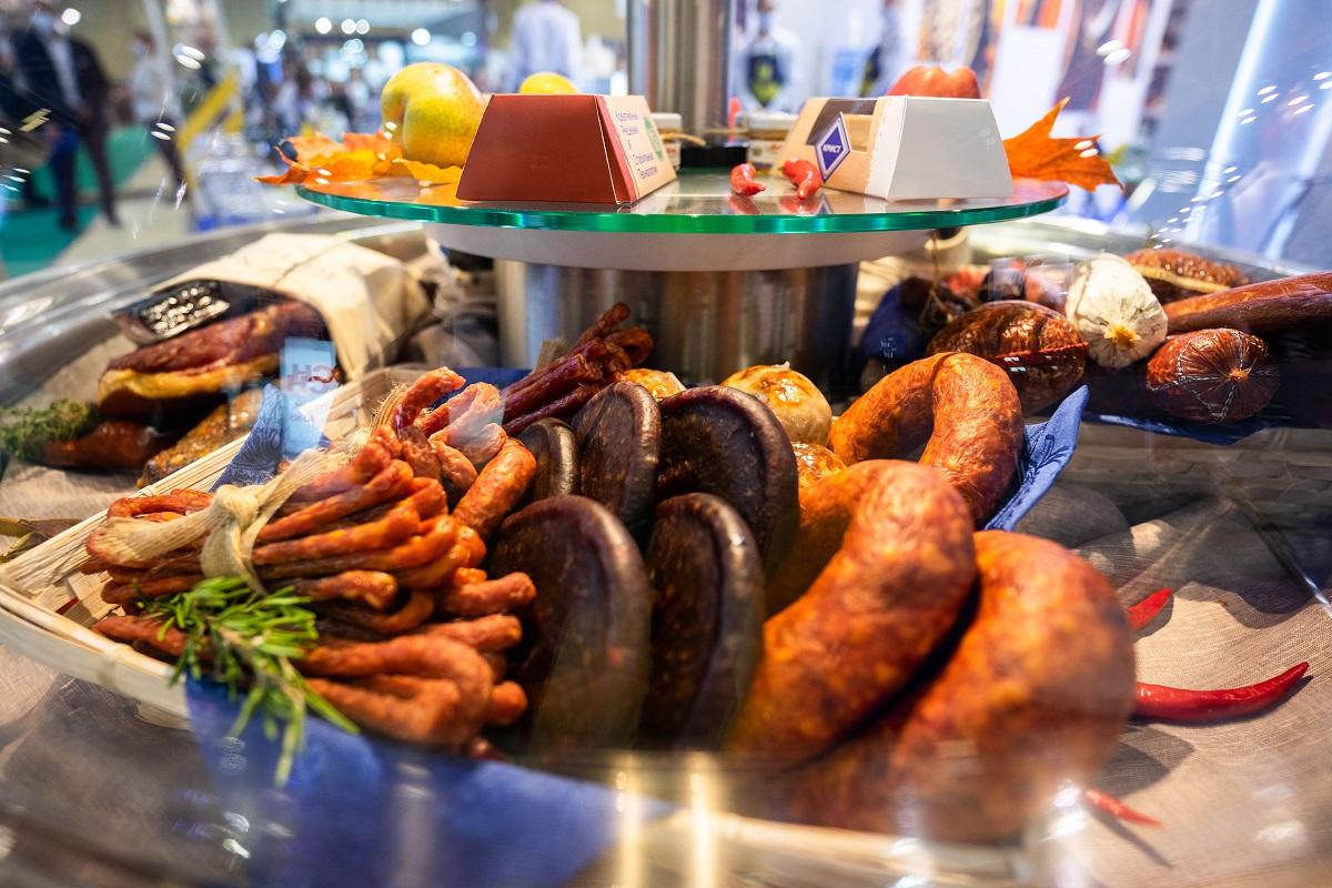 Продажи мясных, рыбных и сырных снеков в РФ за последние 5 лет выросли на 8,6%