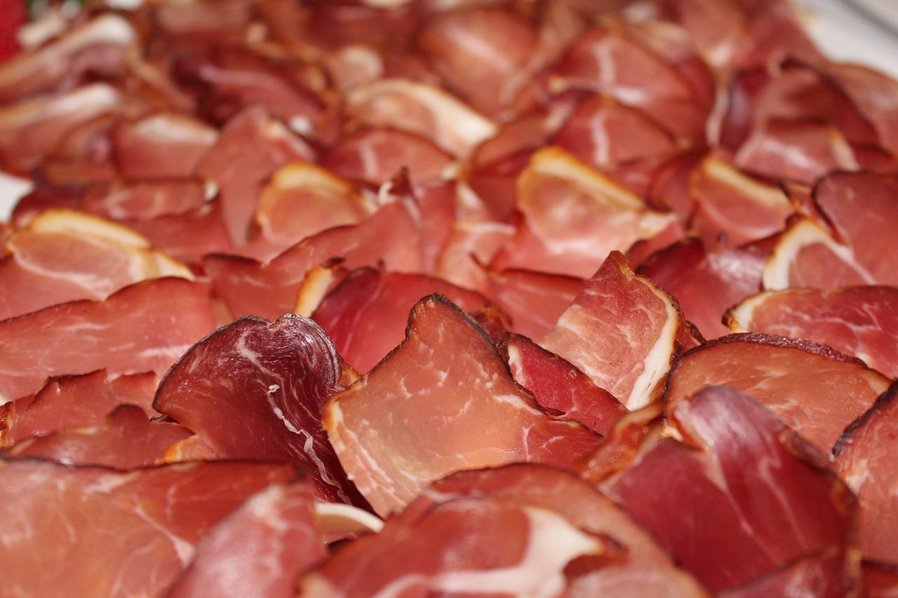 Россельхознадзор ограничил ввоз мяса из ОАЭ из-за ящура и чумы мелких жвачных